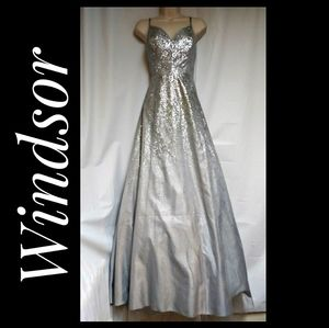 Windsor Prom Special Occasion Gown Silver Size 11